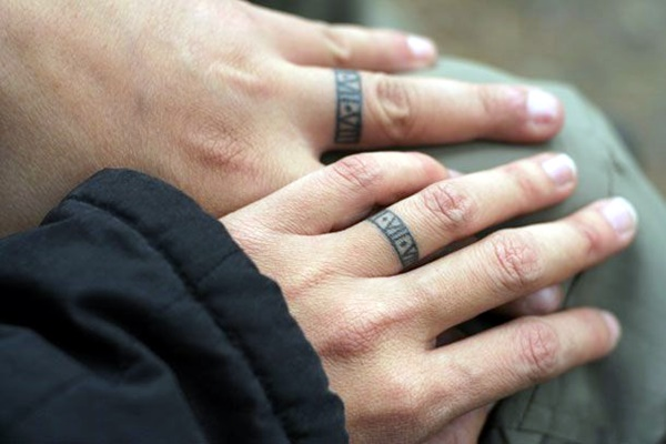 Finger Tattoo Ideas and Designs (4)