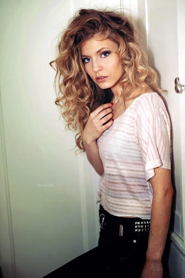 Medium Length Hairstyles For Women (1)