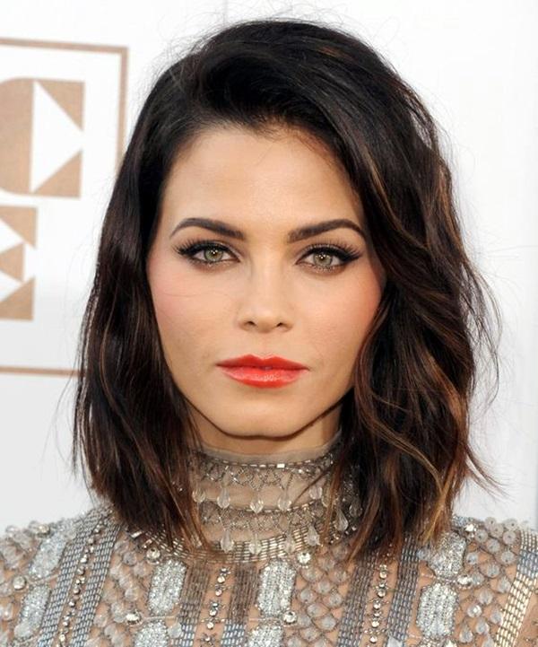 Medium Length Hairstyles For Women (19)