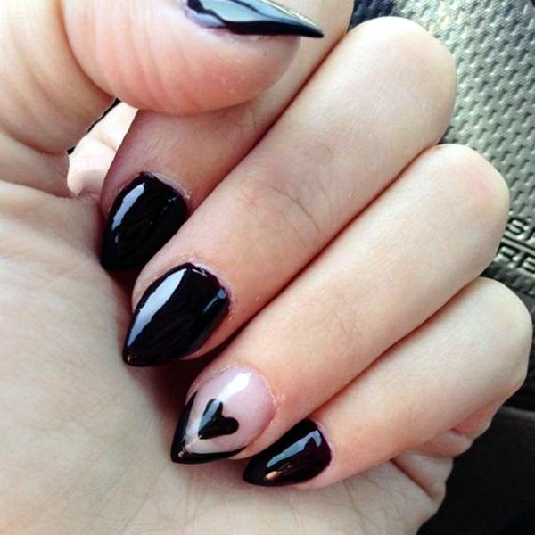 Нарощенные ногти острых