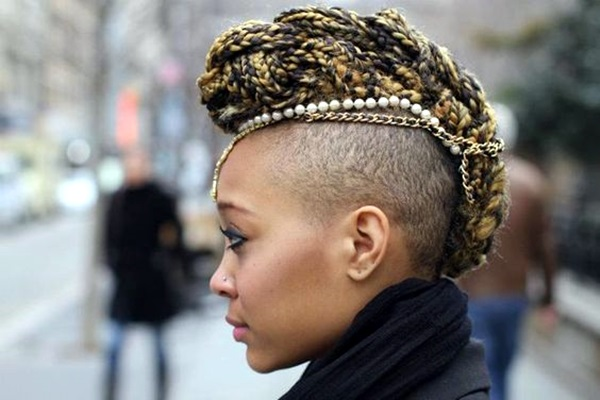 45 Voguish Mohawk Hairstyles For Women