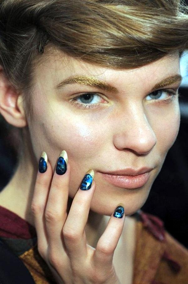 Pointy Almond Nail designs (1)