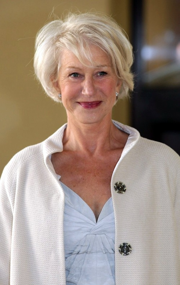 Short Hairstyles for Older Women (15)