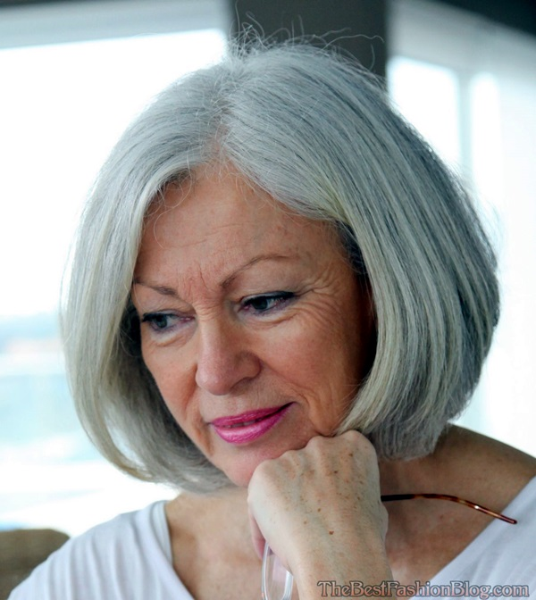 Short Hairstyles for Older Women (4)