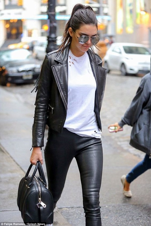 Kendall Jenner style and Outfits (43)