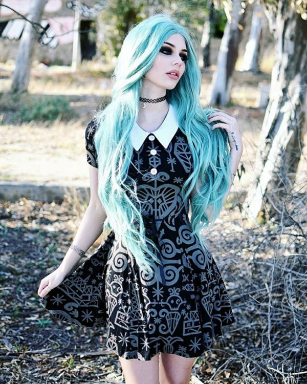 Emo Style Outfits And Fashion Ideas (17)