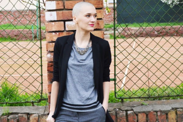 beautiful-bald-women-styles0081