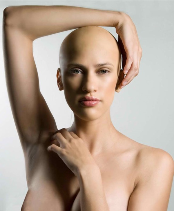 beautiful-bald-women-styles0131