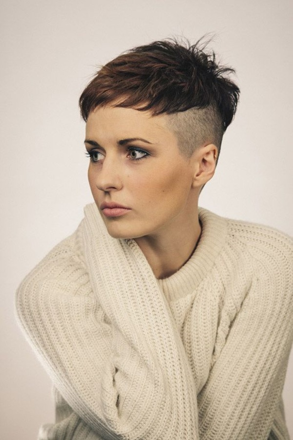 beautiful-bald-women-styles0341