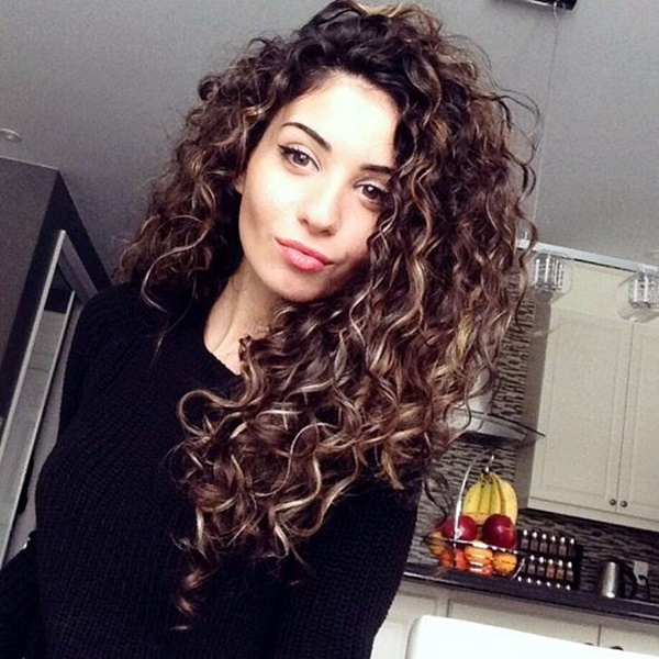 curly-hair-styles-for-long-hair-21