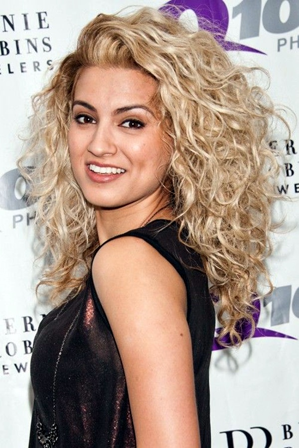 curly-hair-styles-for-long-hair-24