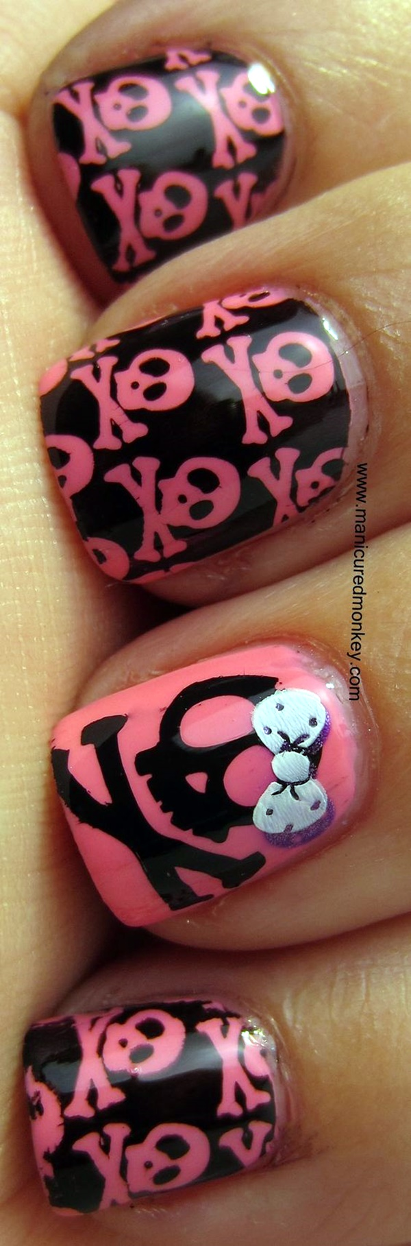 cute-pink-and-black-nails-designs-19