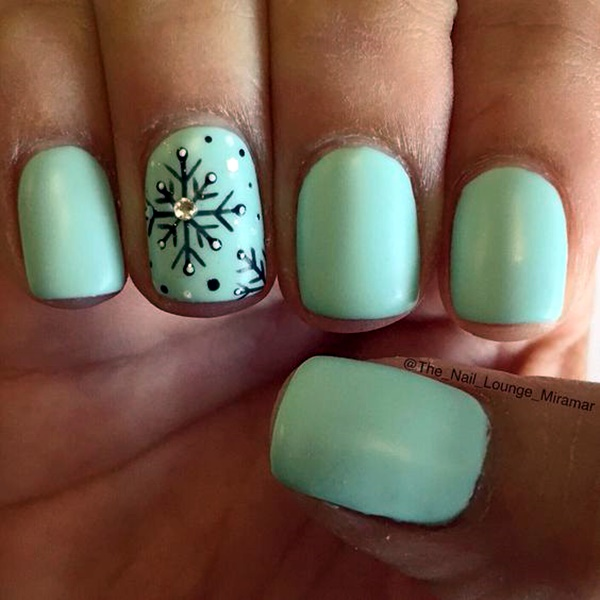 mint-green-nails-with-design-13