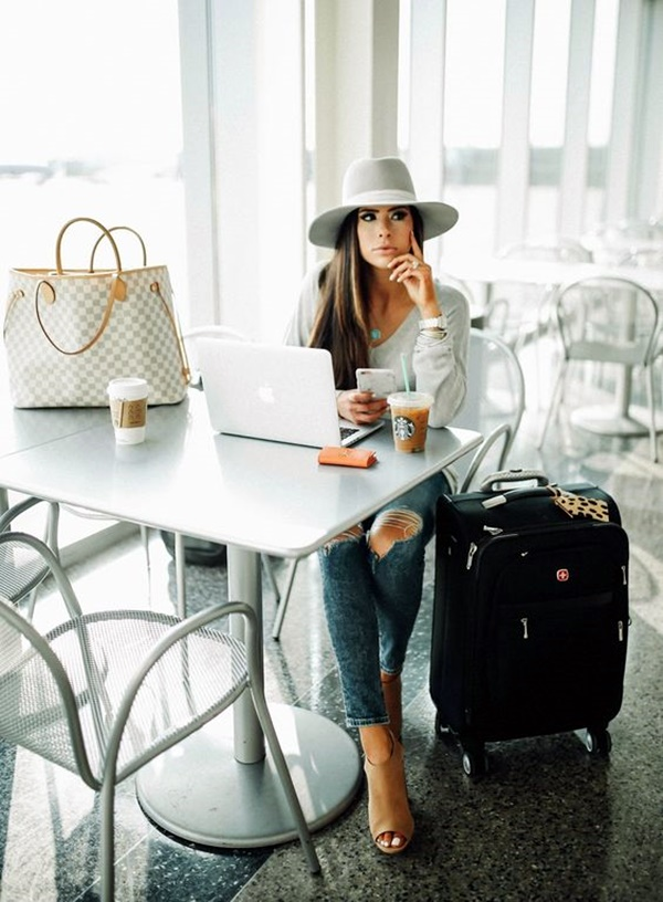 airport-fashion-outfits-to-travel-in-style-1