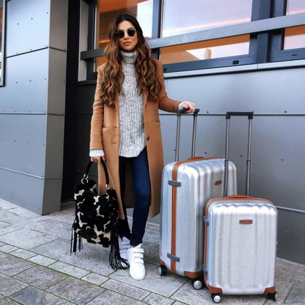 airport-fashion-outfits-to-travel-in-style-14