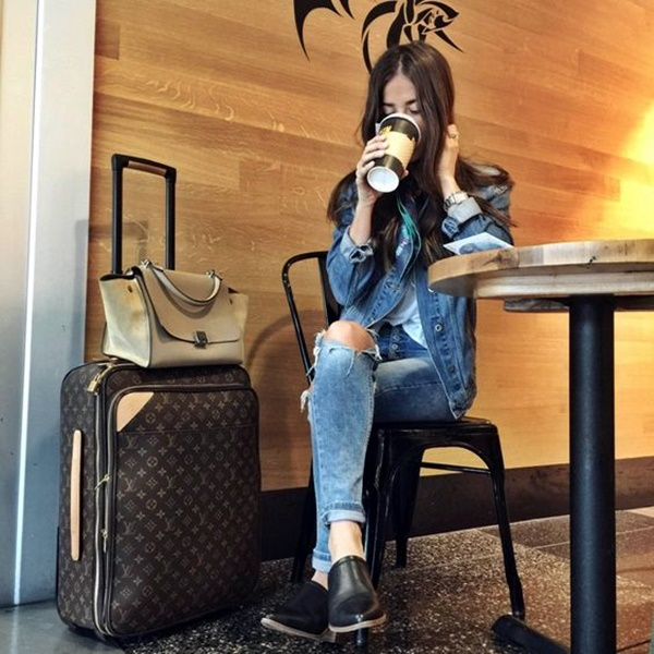 airport-fashion-outfits-to-travel-in-style-2