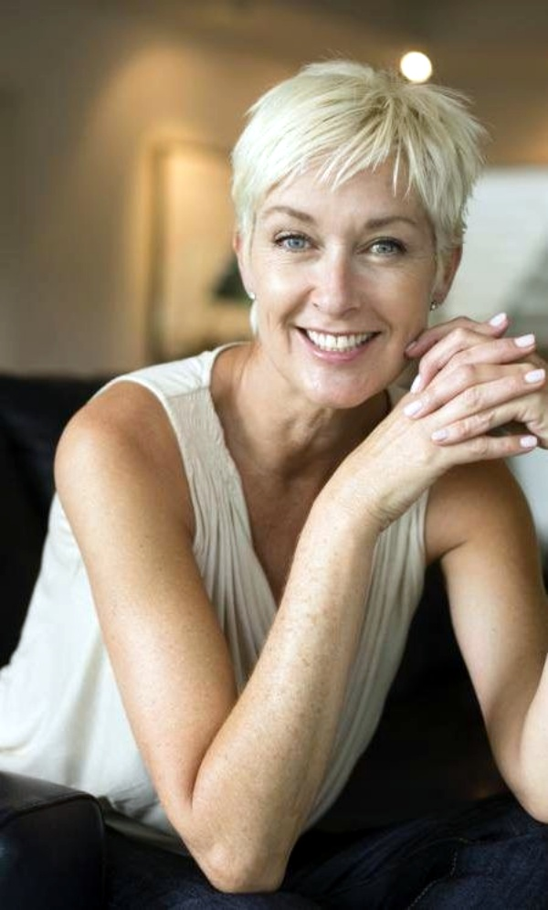 70 Anti Aging Short Hairstyles For Older Women