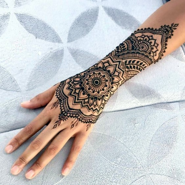 Hand Henna Tattoo Designs: 40 Beautiful And Simple Henna Designs For Hands