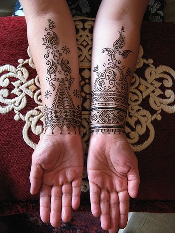 Beautiful Henna Tattoo Designs For Your Wrist: 42 Beautiful Henna Tattoo Designs For Women To Try
