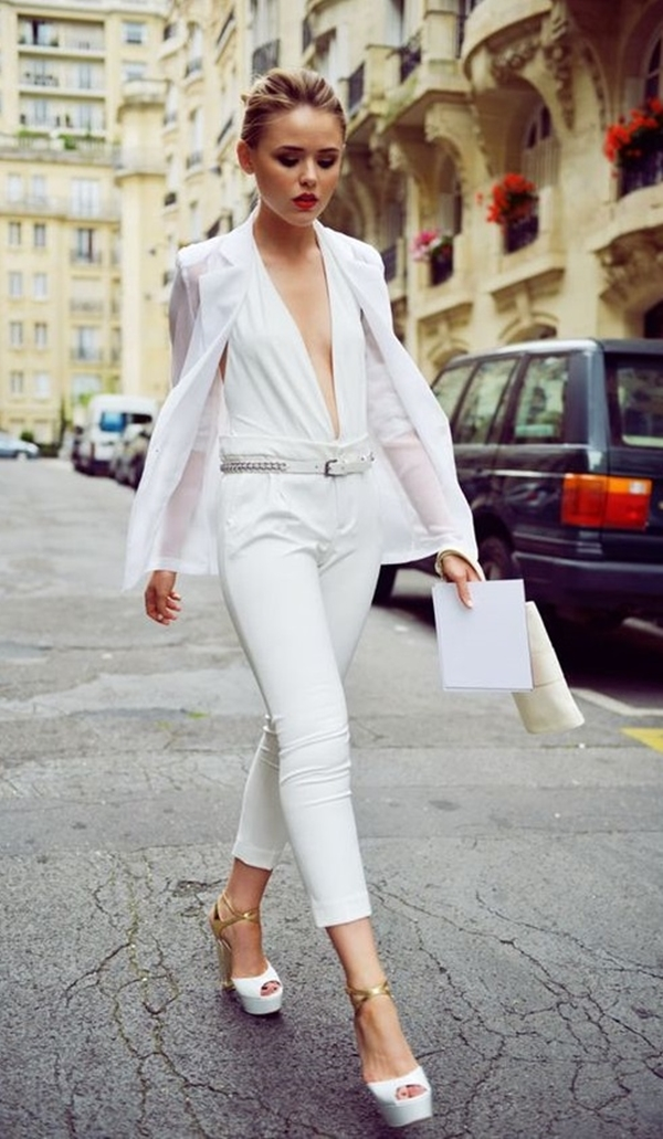 Outfits-for-Women-with-Small-Bust