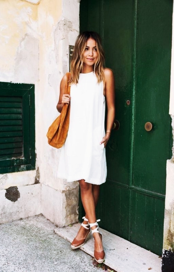 Chic-Sundresses-for-Women-to-wear-this-Summer